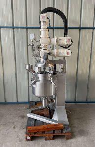 Rayneri / Lebas - vacuum mixer