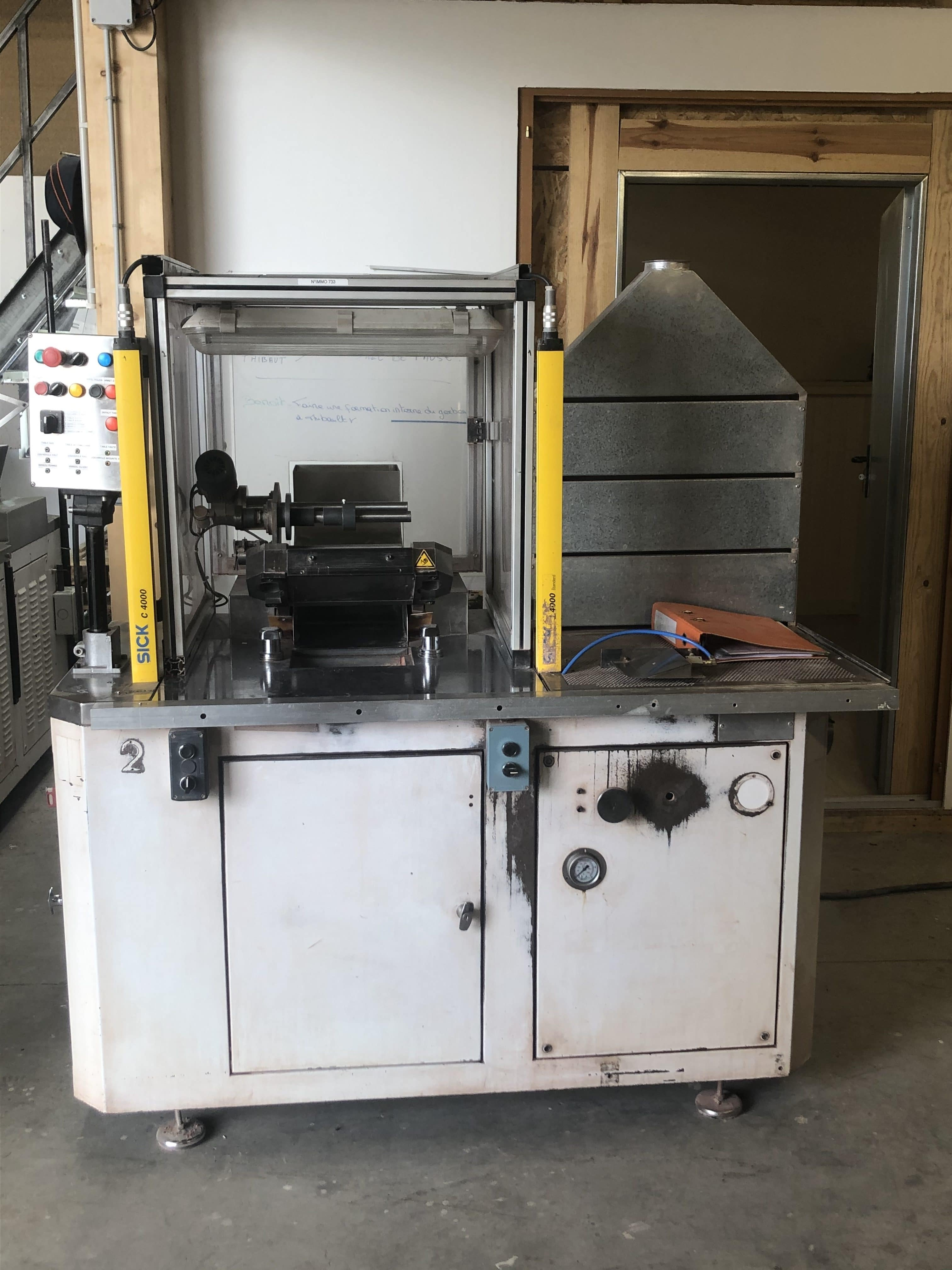 Vetraco - Compactor / press for cosmetic powders