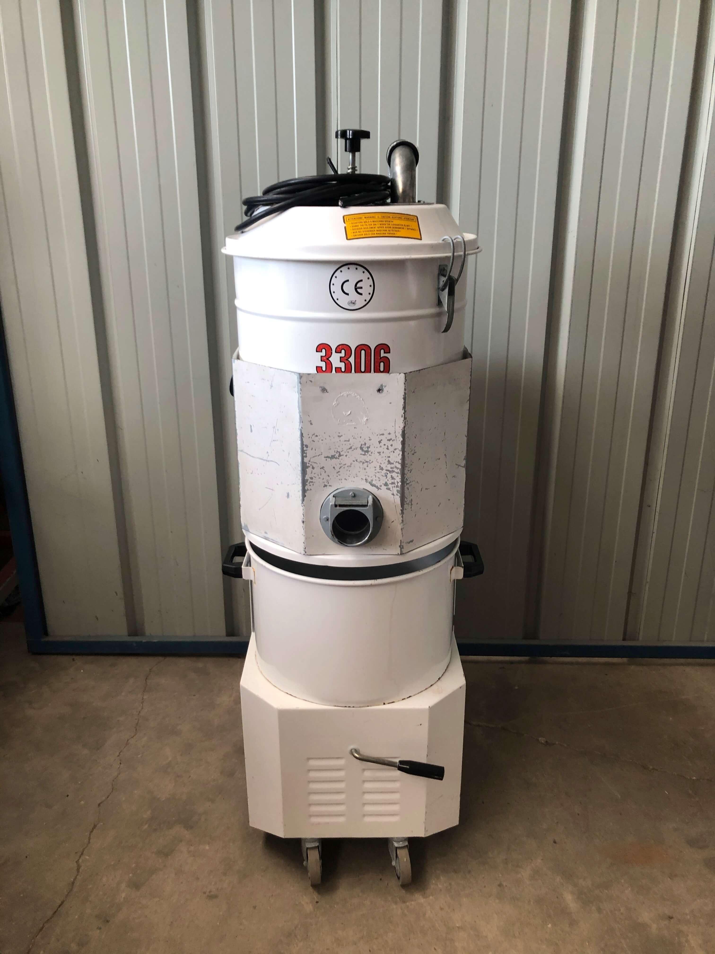 CFM 3306 A - Industrial vacuum cleaner